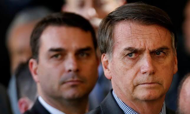 """Flávio Bolsonaro alerta para ameaças de um """"outro Adélio"""""""