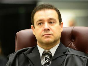 Ministro do STJ pede aposentadoria e Bolsonaro deve nomear novo ministro