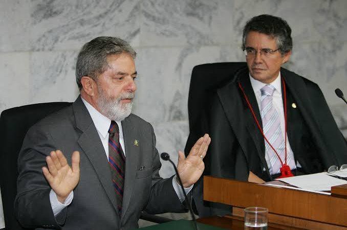 Lula quer julgamento de Moro antes da saída de Marco Aurélio