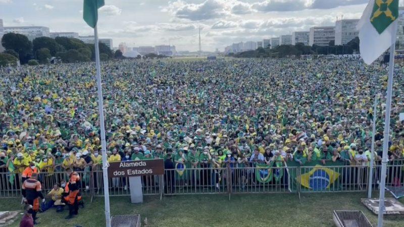 Esplanada dos Ministérios em Brasília é tomada por apoiadores de Bolsonaro, veja imagens