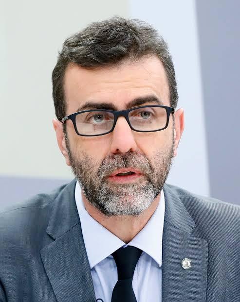 """Freixo ataca Pazuello e diz que ex-ministro beira a """"psicopatia"""""""