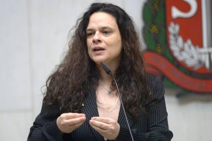 PEGA FOGO: Janaina Paschoal diz que seguiu as recomendações de Mandetta e quase morreu