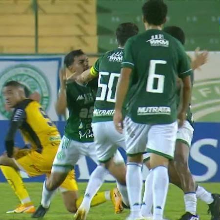 Jogadores do mesmo time saem na mão mesmo após vitória; VEJA VÍDEO