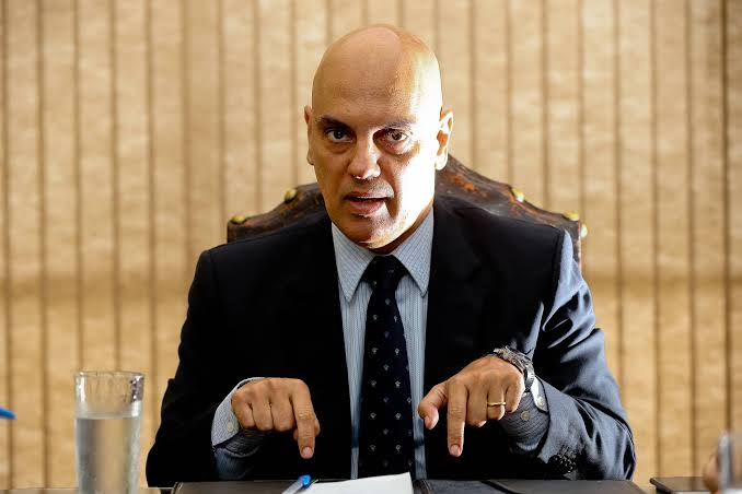 STF diz que Alexandre de Moraes não ameaçou prender Bolsonaro
