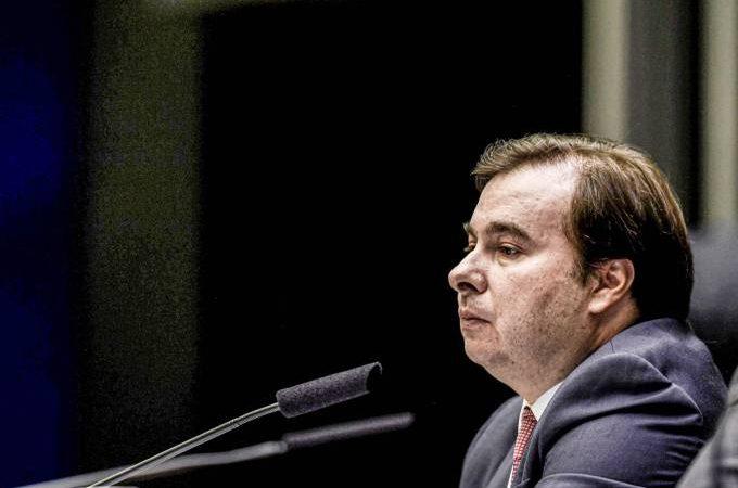 URGENTE: DEM decide expulsar Rodrigo Maia do partido