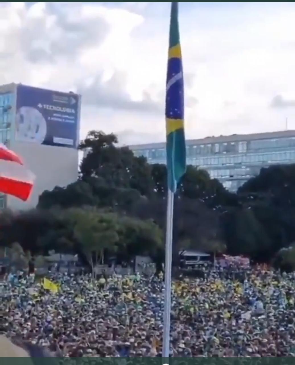 Em ato com Bolsonaro, manifestantes chamam Renan Calheiros de 'vagabundo', VEJA VÍDEO