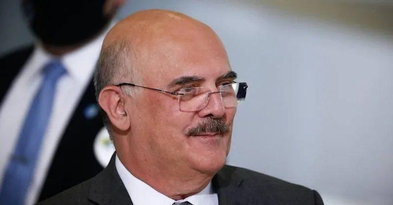 Ministro da educação anuncia data de realização do ENEM 2021