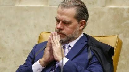 Senadores cobram investigação de Dias Toffoli e STF tenta minimizar pedido