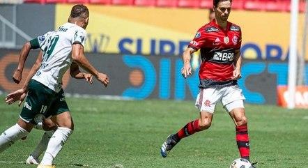 Flamengo e Palmeiras são multados por confusão na final da Supercopa