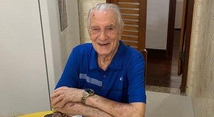 Orlando Drummond, o Seu Peru, está internado no Rio aos 101 anos