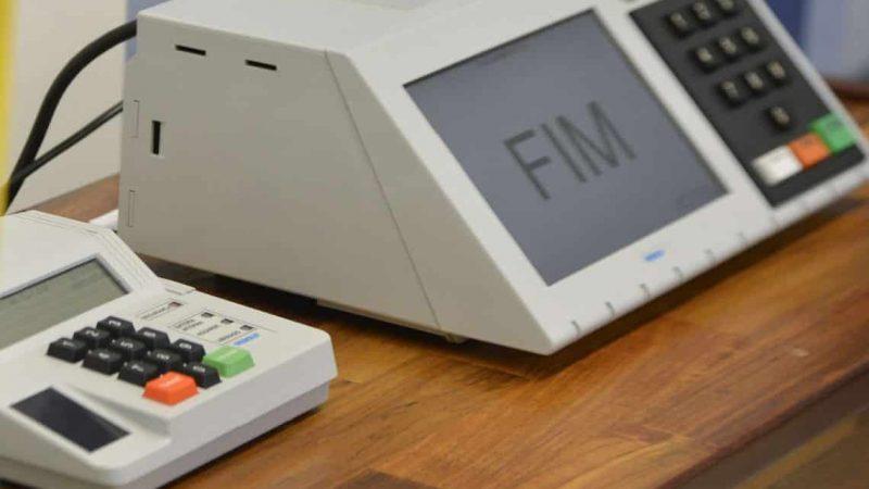 Só o Brasil no mundo inteiro usa urna eletrônica sem voto auditável