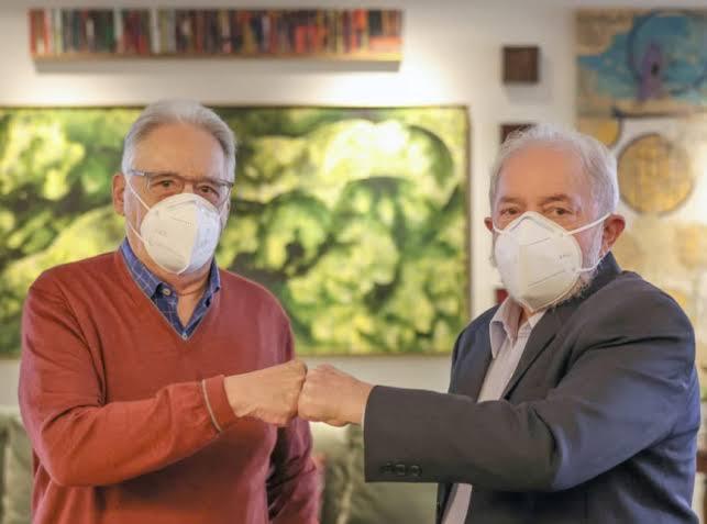 Lula e FHC assinam nota em defesa do presidente argentino