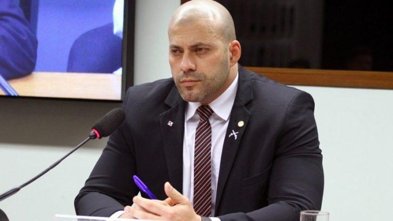 Após violações na tornozeleira eletrônica, PGR opina pela volta de Daniel Silveira para a prisão