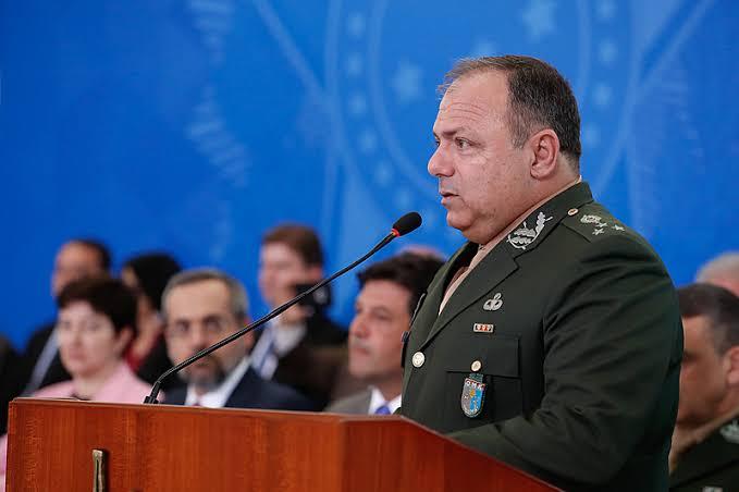 General Pazuello toma posse de seu novo cargo no governo federal