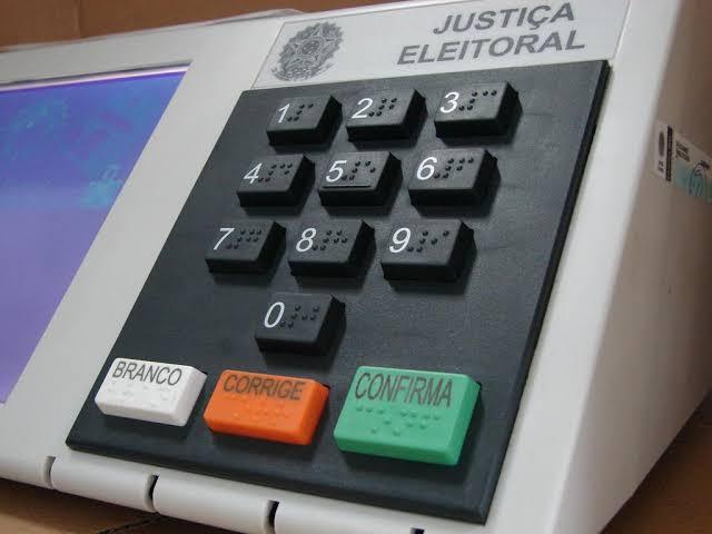 Só Brasil, Bangladesh e Butão usam urna eletrônica sem voto impresso auditável