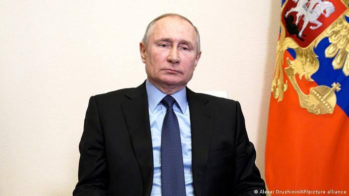 Putin elogia Trump e reclama de acusações dos EUA sobre ataques cibernéticos