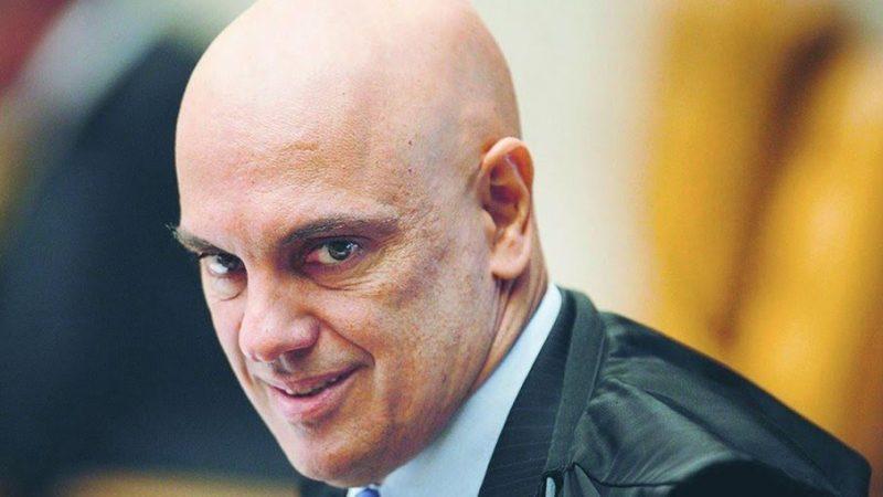 URGENTE: Moraes mantém quebras de sigilo de ex-chanceler Ernesto Araújo