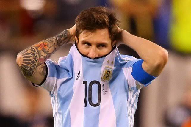 Respiradores doados por Messi para salvar vítimas da Covid-19 estão abandonados há 10 meses em aeroporto da Argentina