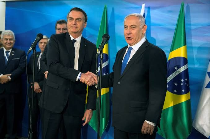 Bolsonaro agradece parceria de Netanyahu e dá boas-vindas ao novo premiê israelense