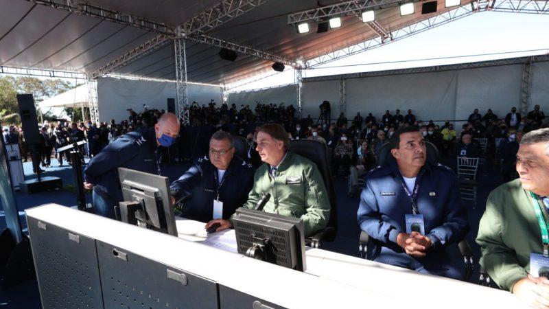 Bolsonaro inaugura estação de radares na fronteira com Paraguai