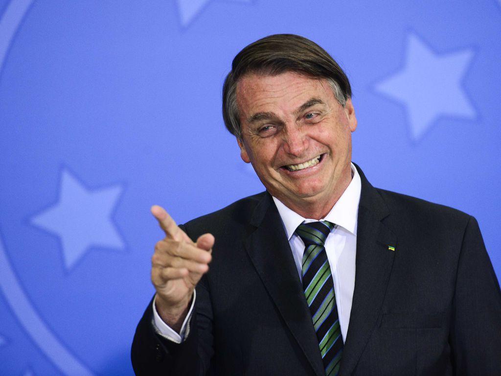 Bolsonaro sanciona lei que cria novo programa social