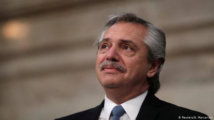 Notícia-crime contra presidente argentino é protocolada no STF