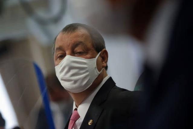 """CONFUSÃO: Vaza áudio de ameaça de Omar Aziz a Marcos Rogério na CPI: """"Vou quebrar ele""""; VEJA VÍDEO"""