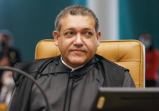 Nunes Marques suspende a quebra de sigilo de Élcio Franco