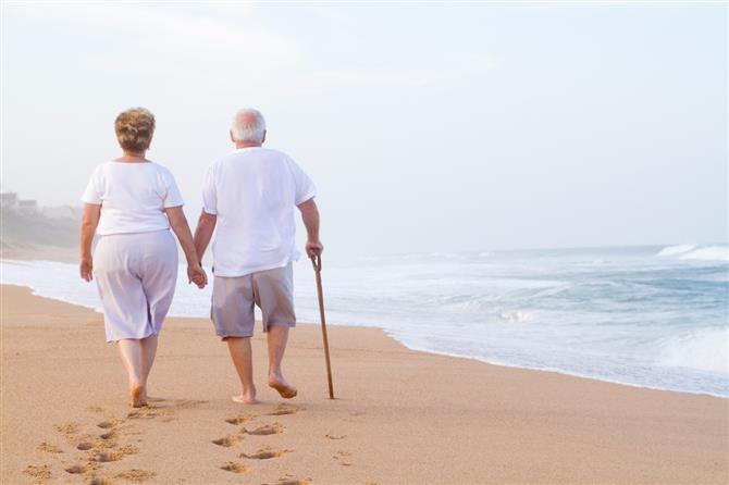 Turismo: idosos vacinados retomam planos de viajar e dão ânimo ao setor