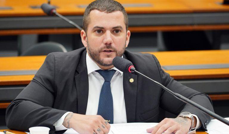 Deputado Carlos Jordy trabalhou para aprovação de PL que zera imposto para carros novos de policiais e Guardas municipais