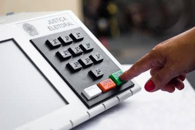 BOMBA: PF pede a superintendentes denúncia de fraude em urnas eletrônicas