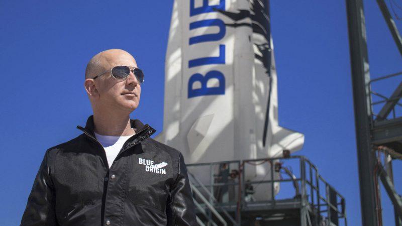 Homem mais rico do mundo irá ao espaço! Saiba mais como será o voo