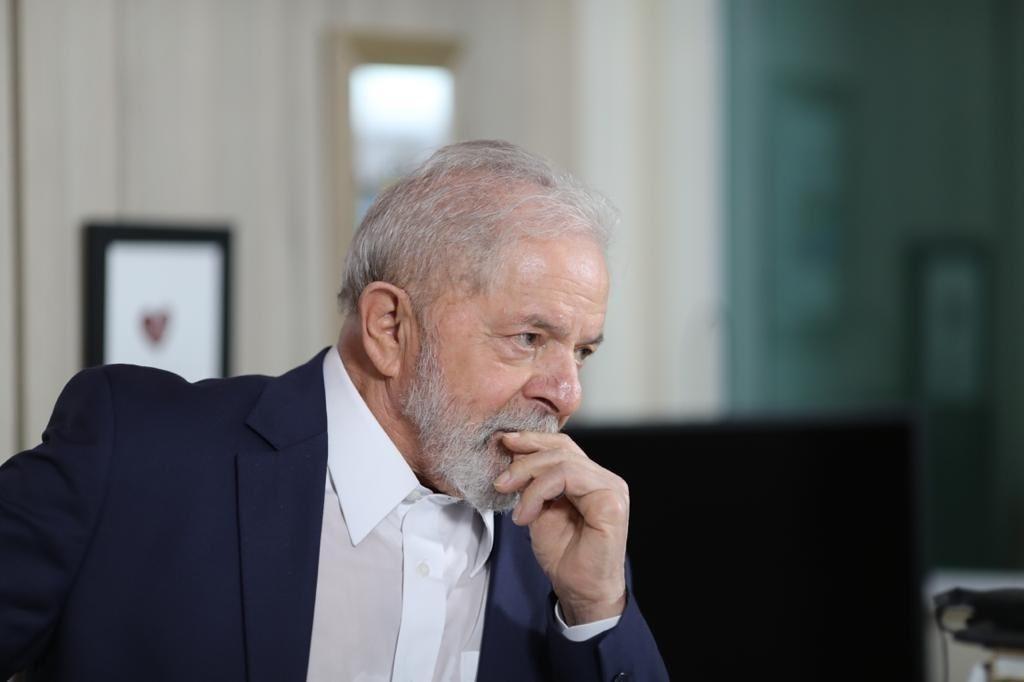 Após estar elegível graças julgamento do STF, Lula não quer ser visto com ministros