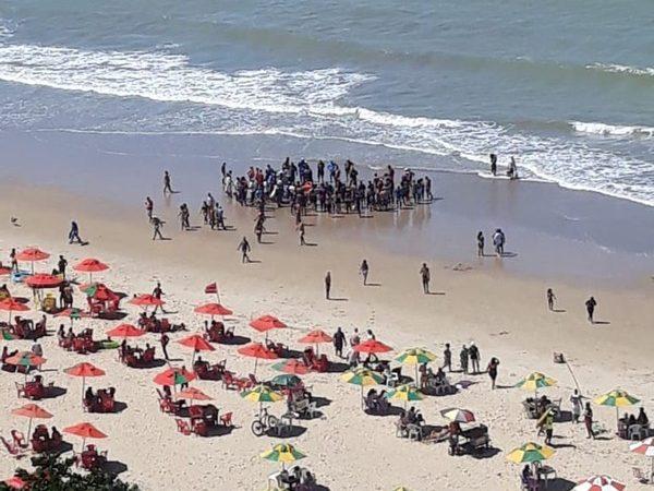 Homem é socorrido após ataque de tubarão no Recife
