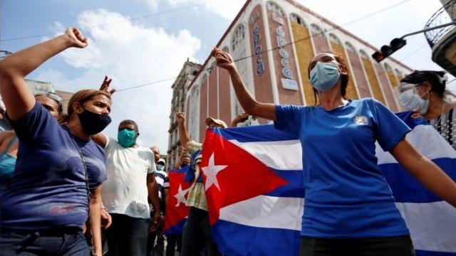 """Senador dos EUA diz que pode ajudar o Black Lives Matter a """"emigrar para Cuba"""""""