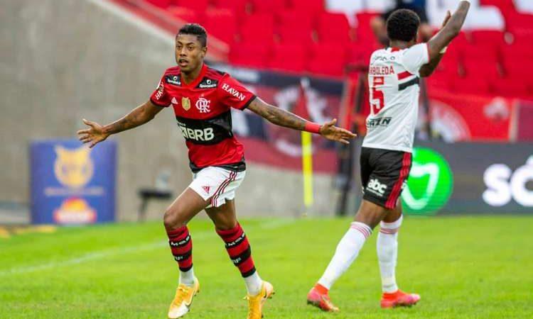Flamengo goleia o São Paulo e Palmeiras segue líder; veja rodada do Brasileirão
