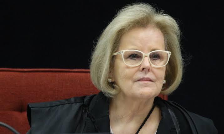 Rosa Weber envia à PGR novo pedido de investigação contra Bolsonaro
