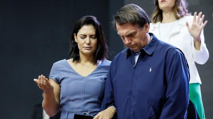 """Campanha por oração pelo presidente Bolsonaro cresce e chega ao topo em rede social: """"#OrePeloPresidente"""""""