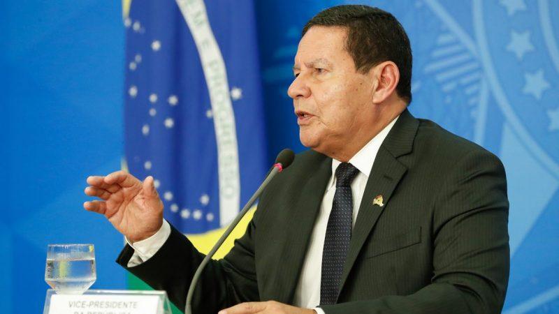 """Após especulações sobre renúncia, Mourão deixa claro: """"Sigo neste governo até o fim"""""""