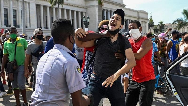 Pandemia de covid desmascara 'excelência' da Medicina em Cuba