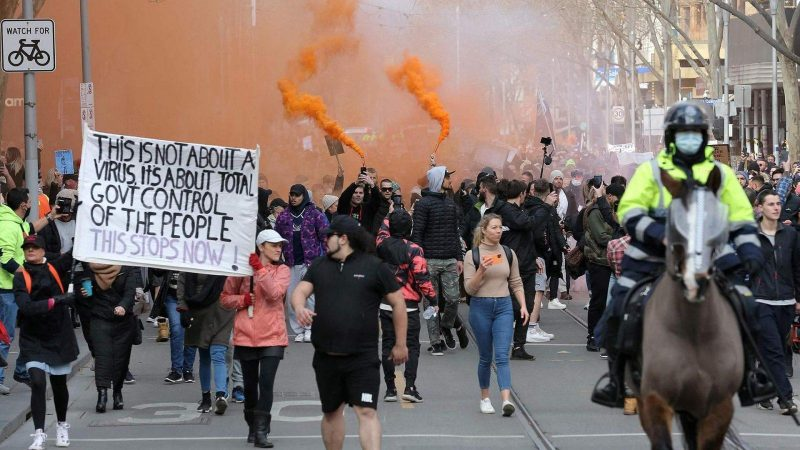 Domingo marcado por protestos em toda a Europa contra o Certificado anticovid, VEJA