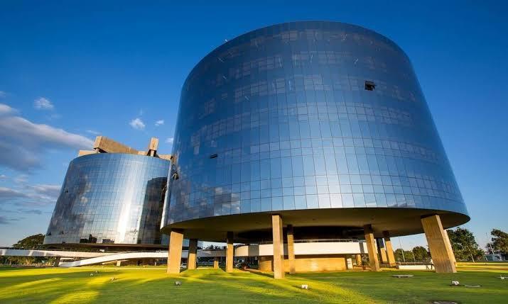 PGR pede abertura de inquérito para investigar Bolsonaro por prevaricação no caso Covaxin