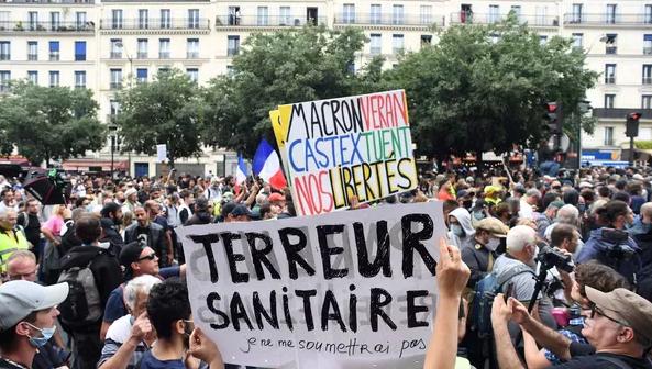 Milhares de franceses voltam às ruas neste sábado contra a obrigatoriedade de vacinação, VEJA VÍDEOS