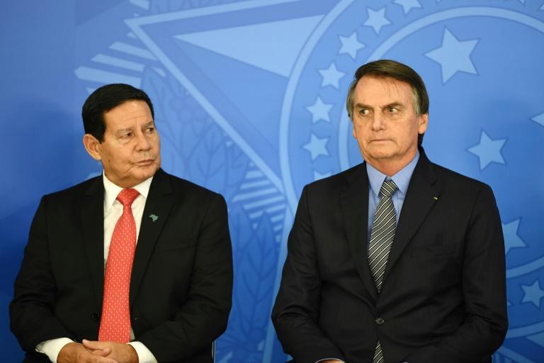 Bolsonaro diz que 'Vice é igual cunhado: você casa e tem que aturar', sobre Mourão