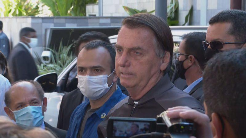 """""""Por coincidência, quem faz o maior ativismo contra o voto auditável é o ministro Barroso, presidente do TSE"""", diz Bolsonaro"""