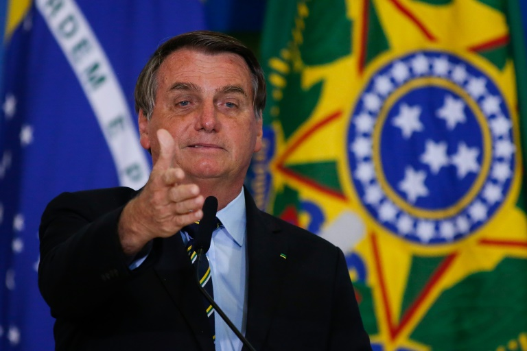 BOMBA: Bolsonaro promete mostrar provas de suposta fraude na eleição de 2014
