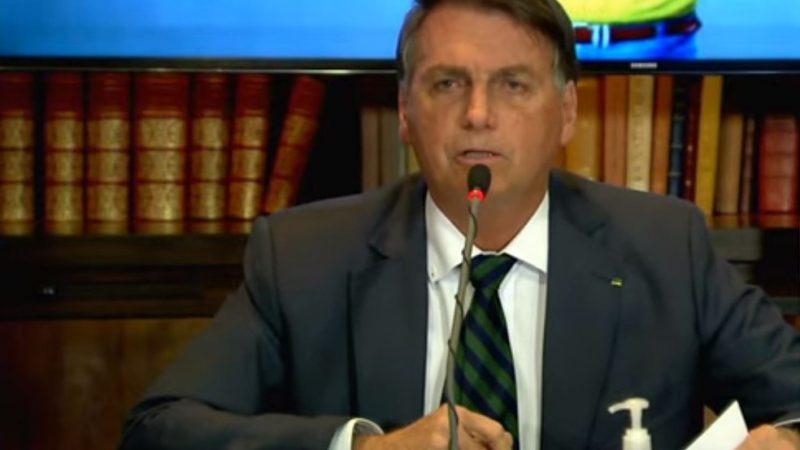 """""""Quem depois dos 30 continua na esquerda não tem cérebro"""", diz Bolsonaro"""