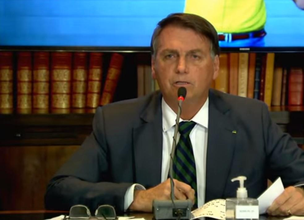 'Querem me tornar inelegível na canetada', diz Bolsonaro em live, VEJA VÍDEO