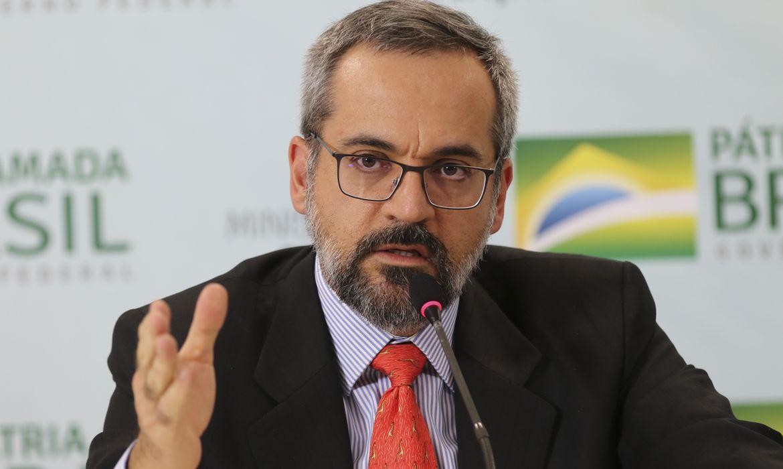 """Weintraub defende a reeleição de Bolsonaro, """"é a melhor alternativa para o Brasil se manter uma nação soberana e livre"""""""