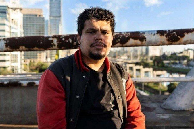 Justiça prorroga prisão de autor do vandalismo em estátua de Borba Gato